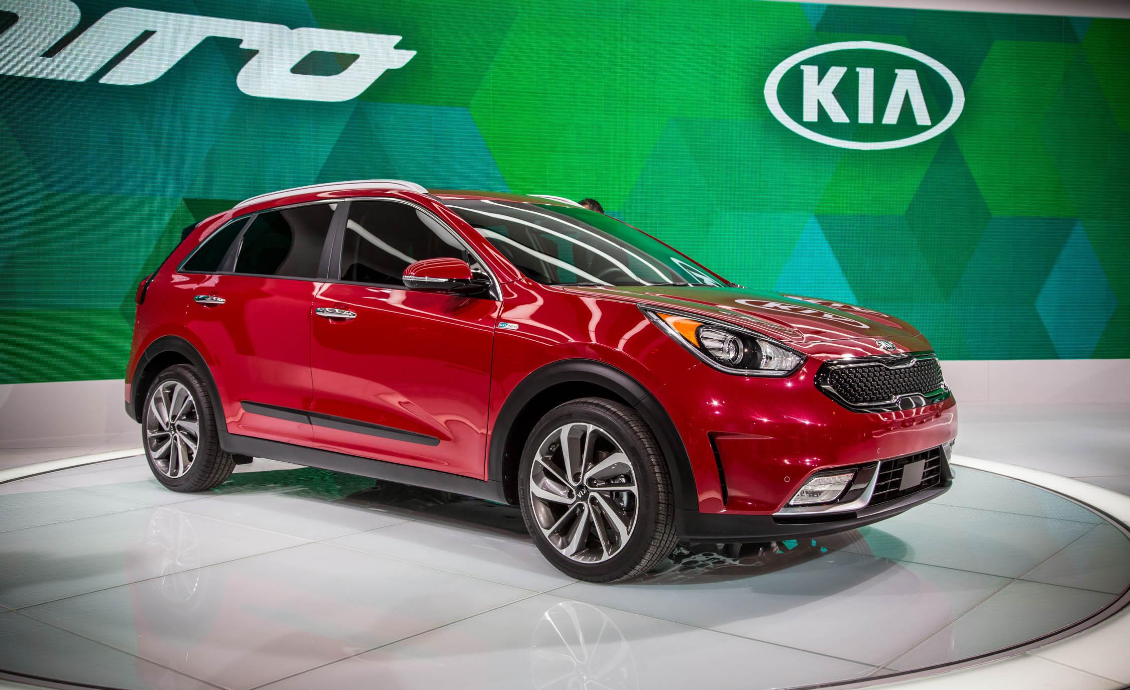 Новые авто представят KIA и Hyundai
