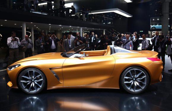 Toyota обещает показать новинки на выставке