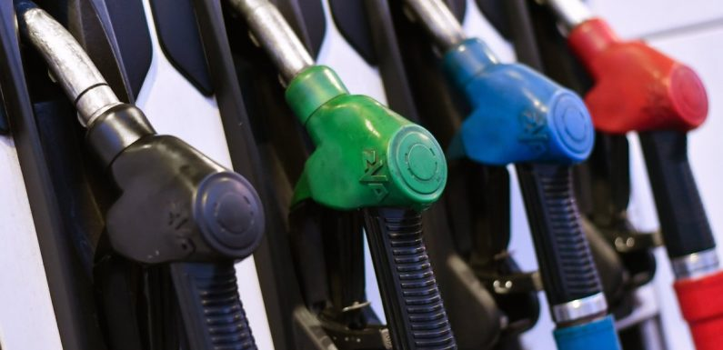 Цены на топливо продолжают снижаться