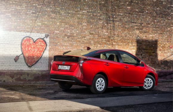 Toyota на батарейках