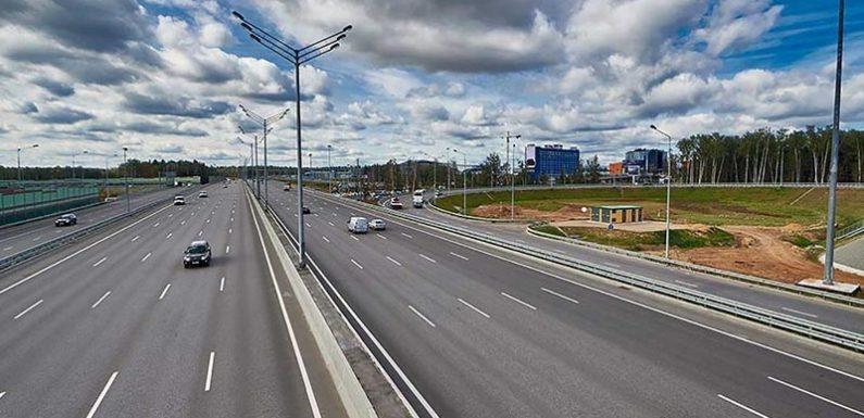 Проезд по платной трассе М-11 стал дороже на первом участке