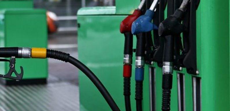 Россияне назвали виновных в росте цен на топливо