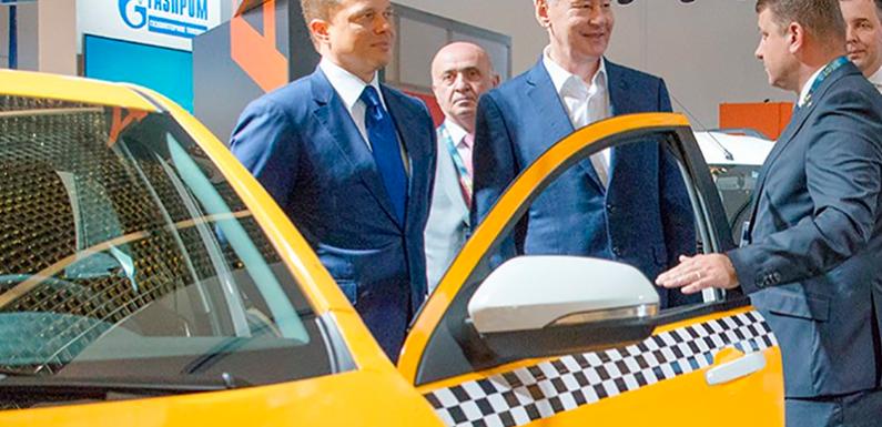 Собянин предложил запретить таксистов с иностранными правами