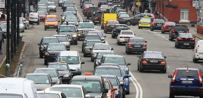 Предупреждали? Пробки в последний летний день носят необычный характер