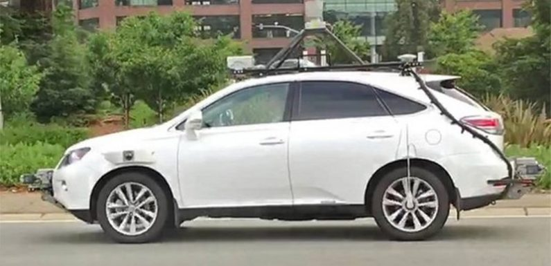 Беспилотный автомобиль с системой Apple попал в ДТП